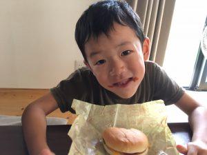 「一年生になってもハンバーガーを食べるとこうなる」の図